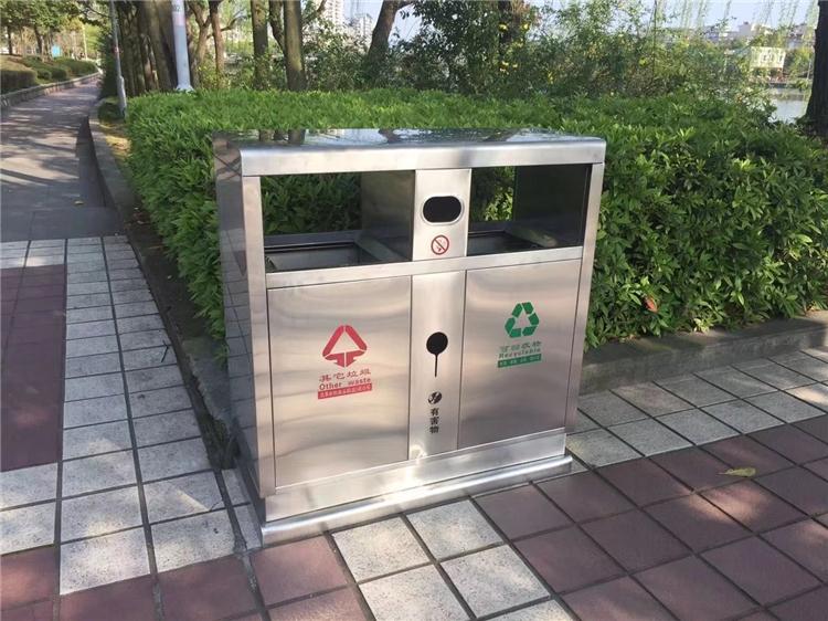 室外实用垃圾桶安装图片