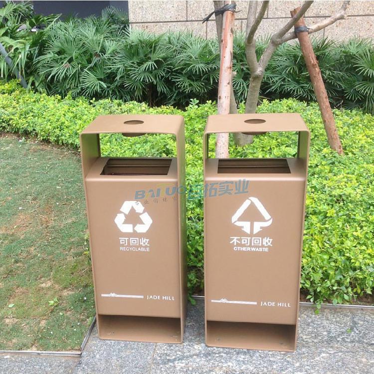 户外垃圾桶定制街道实景图