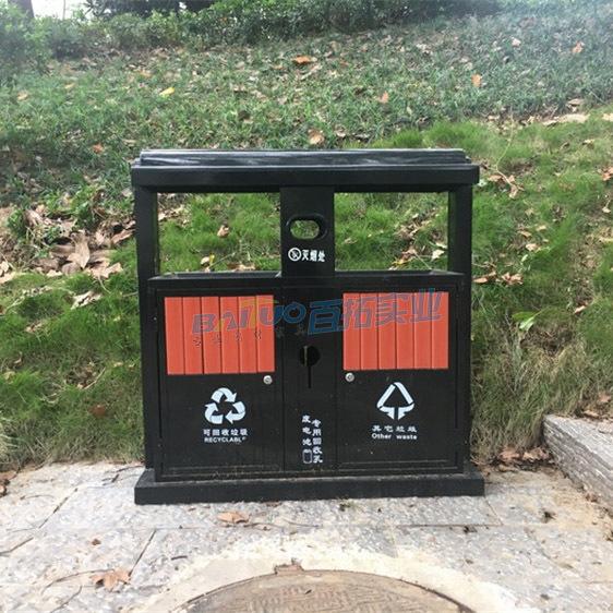 室外双桶垃圾桶实物图