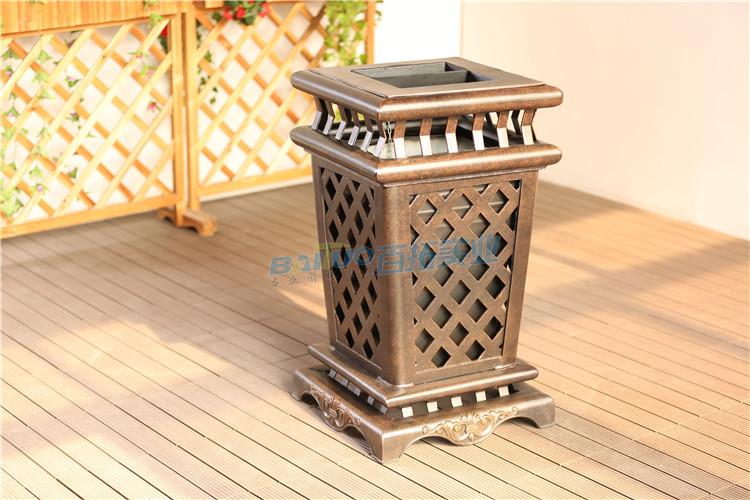 景区艺术垃圾桶展示图