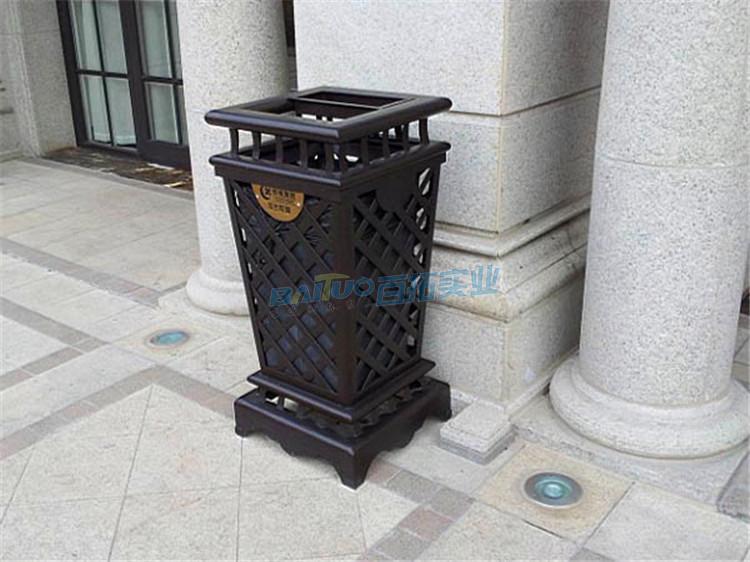 户外立式垃圾桶实物图