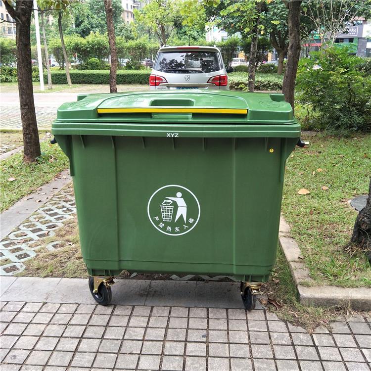 街道环卫垃圾桶