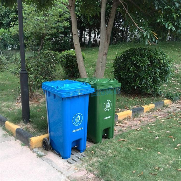 公共塑料垃圾桶侧面图
