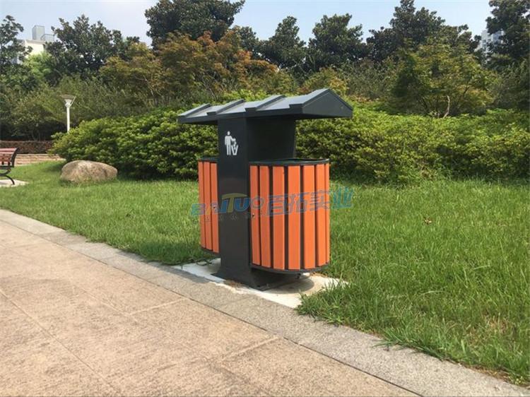 室外钢木垃圾桶侧面图