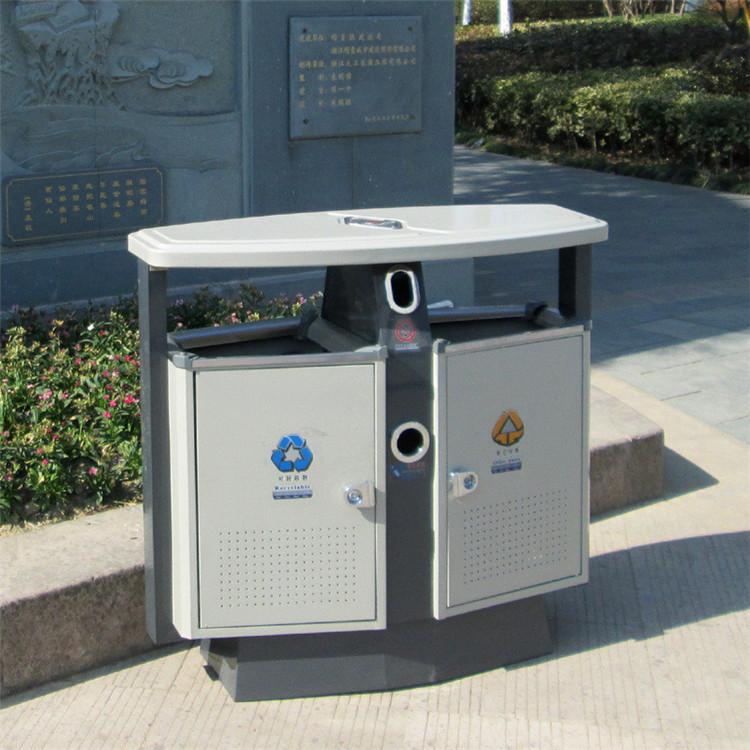 儿童公园垃圾桶