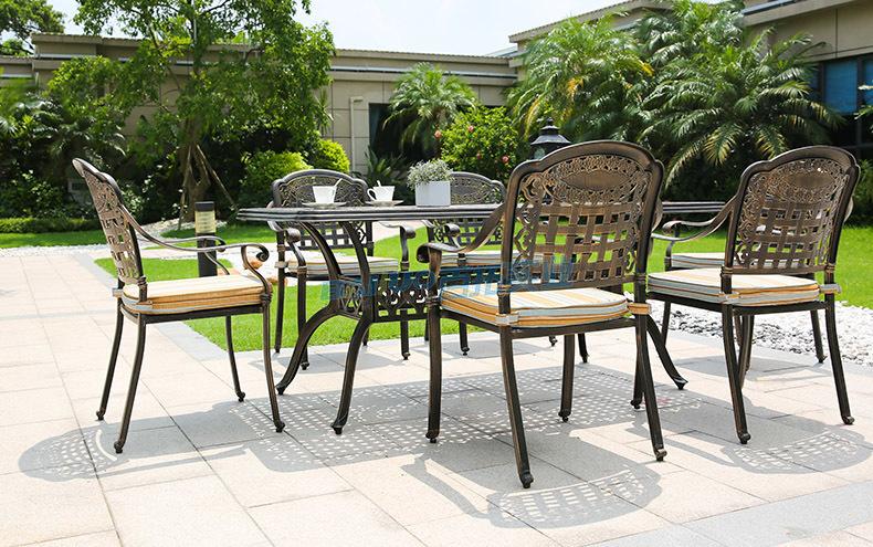 户外铸铝桌椅安装案例图