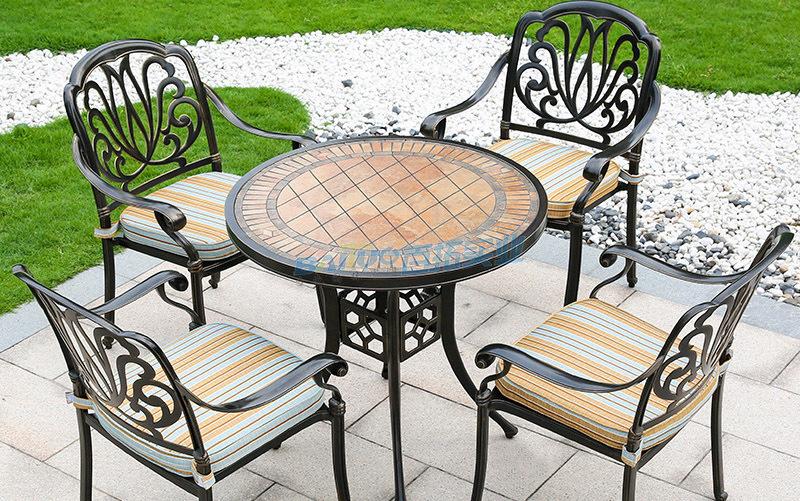 休闲户外桌椅座椅有多种搭配