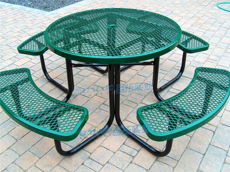 户外铸铁桌椅展示图