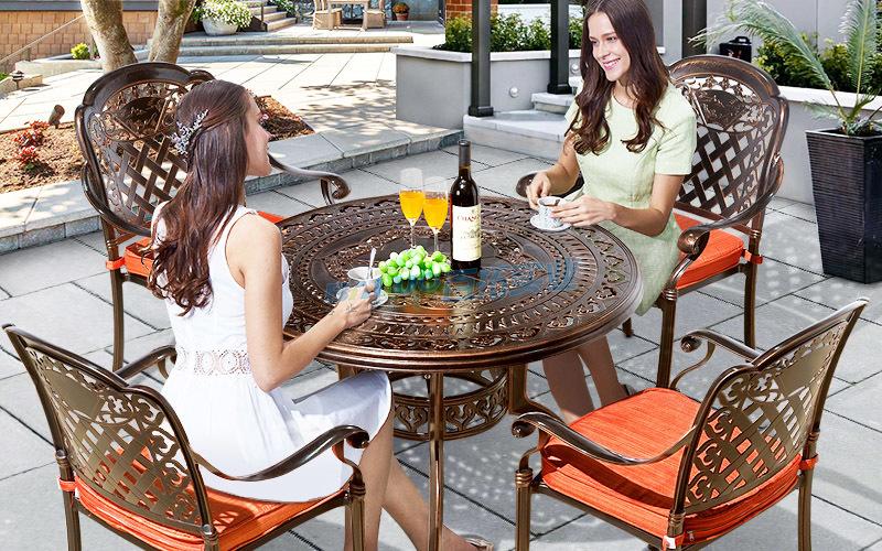 户外铝合金桌椅安装案例展图