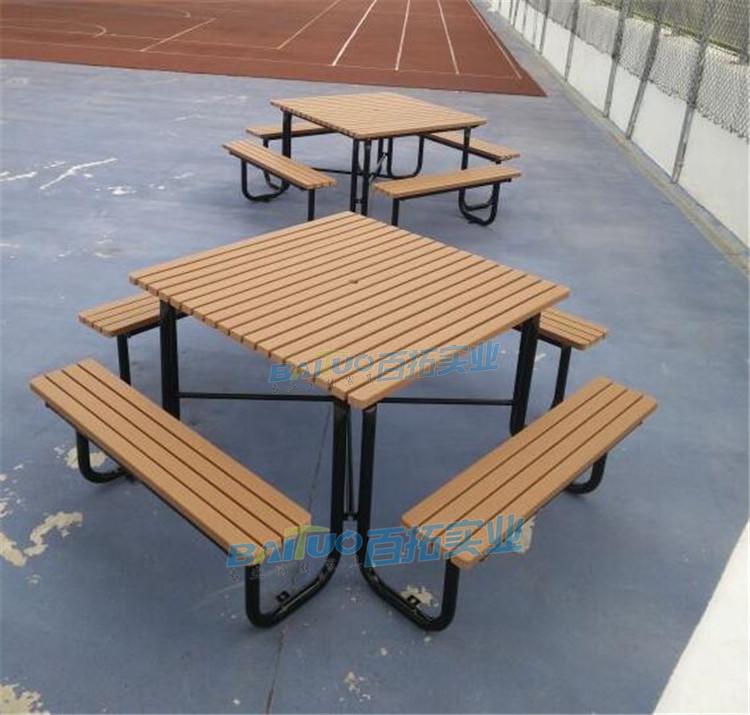 户外塑料桌椅安装案例图