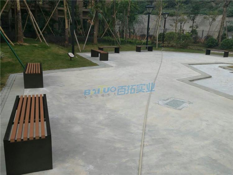公园长条凳安装案例图
