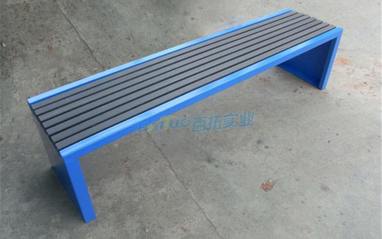 公园长条凳椅面展示图