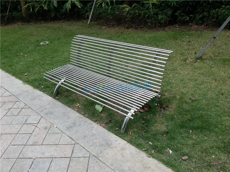不锈钢长凳公园休息长凳安装效果图
