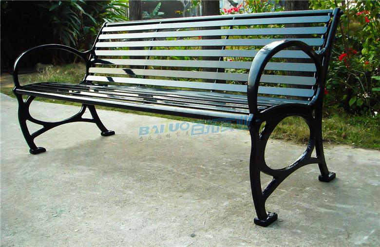 公园长铁凳安装效果图