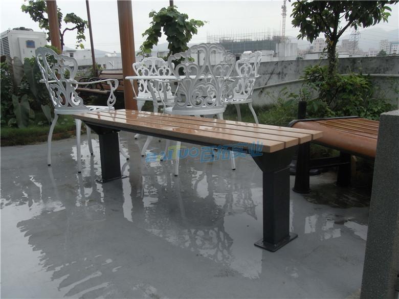 固定式户外木制桌凳户外安装效果图
