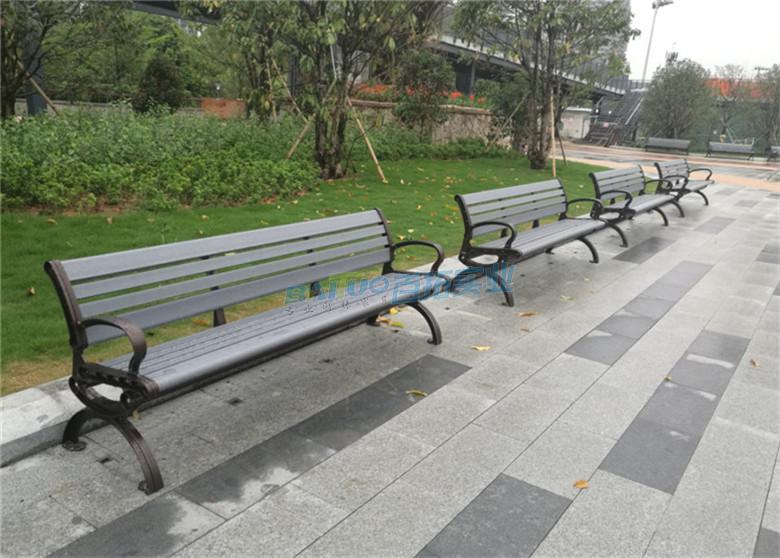 户外塑木长板凳安装效果图
