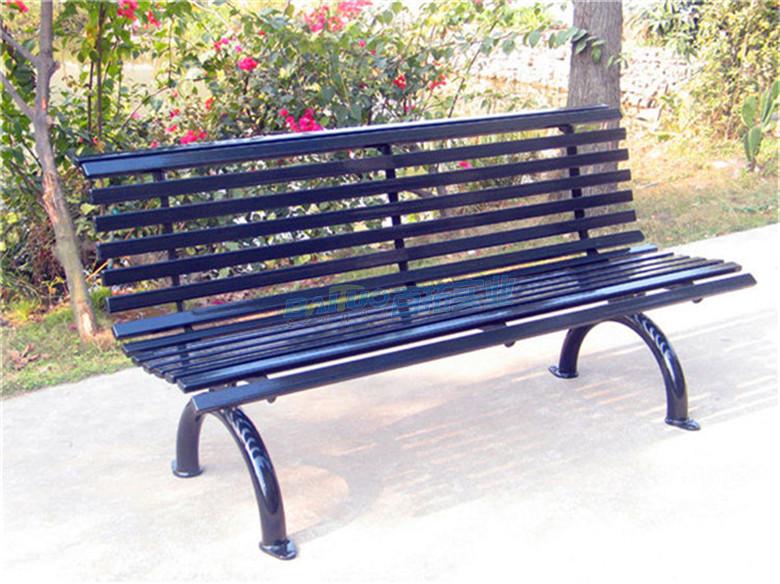 公园铁艺长条凳展示图