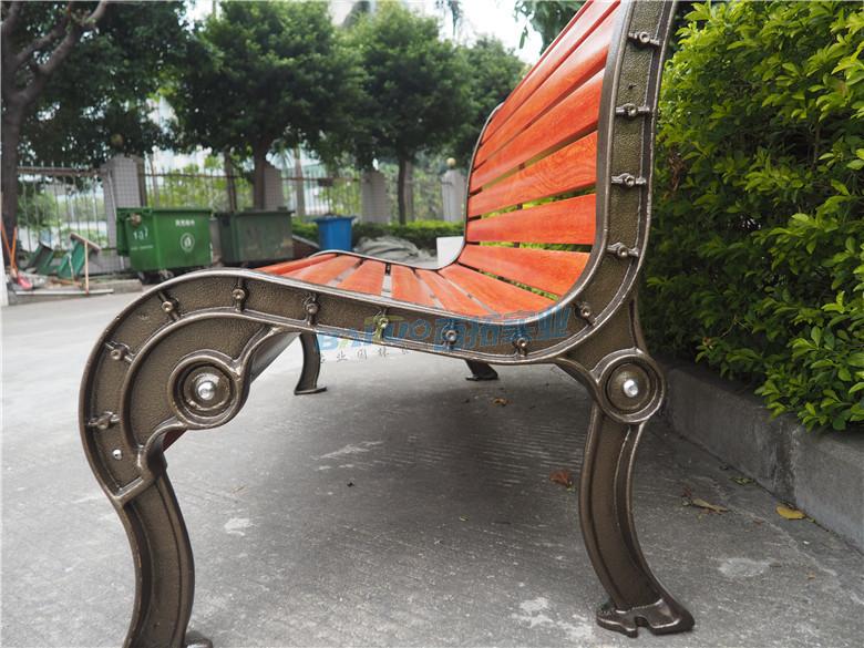 红色室外坐凳侧面花纹展示