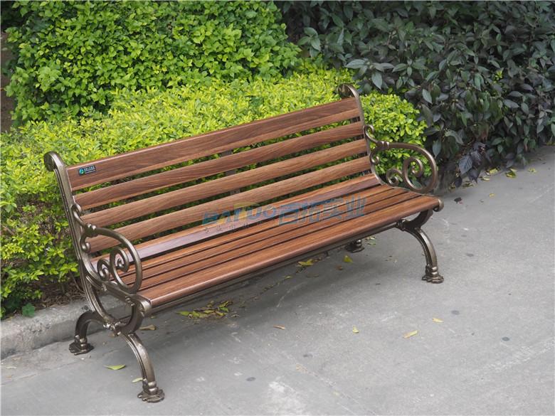 木质室外坐凳展示图