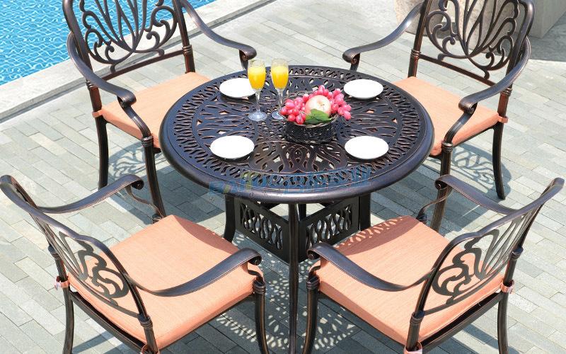 小区户外欧式休闲桌凳椅桌面展示图
